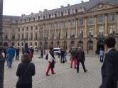 Des Veilleurs Debout place Vendôme à Paris